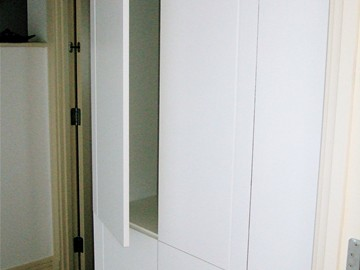 Flush Wardrobe with Touch Latches